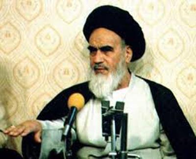 چرا در دیدگاه امام خمینی تخلف در دادگاه ها، صدمه به اسلام خوانده می شود؟