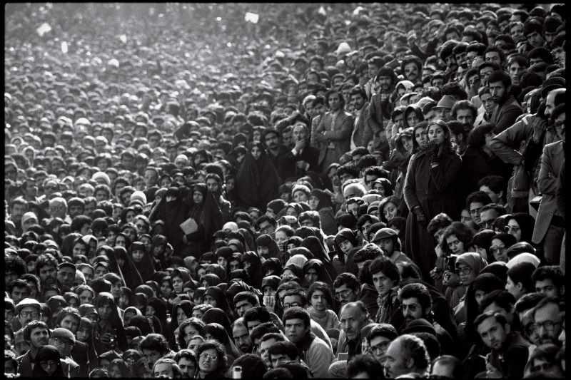 چهل سال پس از انقلاب و خطر گسست نسلی