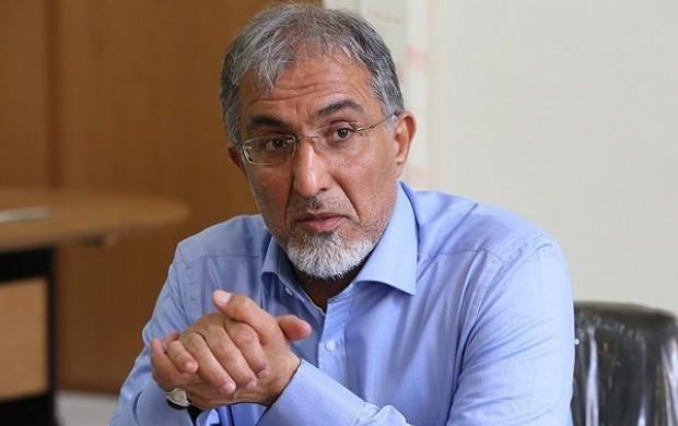 شاهد فروپاشی اقتصاد هستیم/ اقتصاد ایران به سمت ونزوئلایی شدن در حرکت است